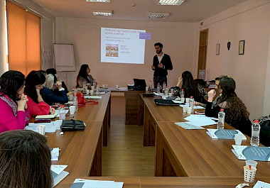Training on the use of social media for Start-UP businesses of the 'WOMEN' project